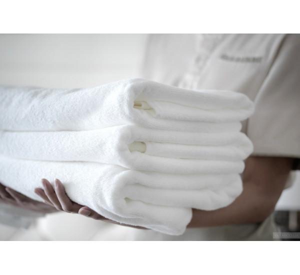 Полотенце махровое белое  450г гостиничное